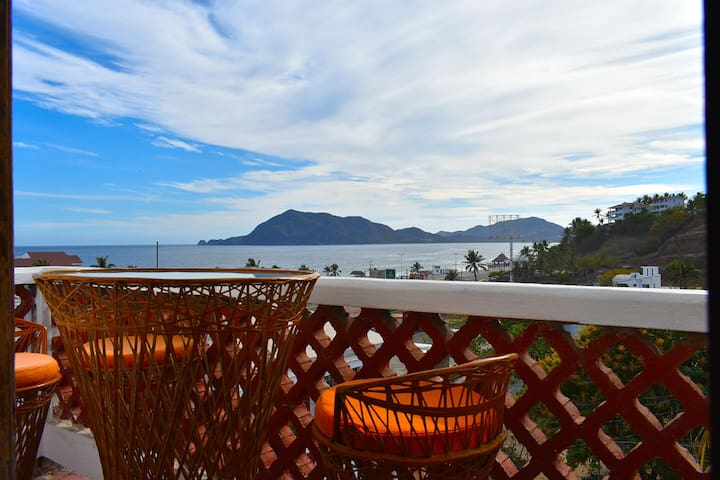 Bungalow in Manzanillo for 4-5 people (#1)