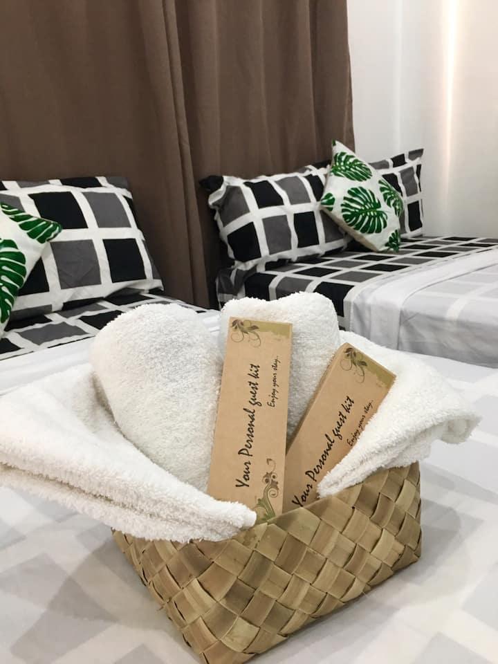 Promo Deal! Family Room for 4, Kent Travellers Inn