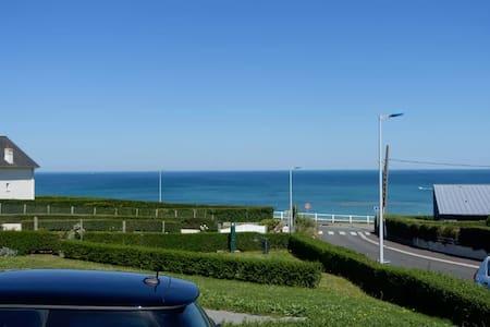 Chambre d'hôte avec vue sur mer (V) - Donville-les-Bains - Bed & Breakfast