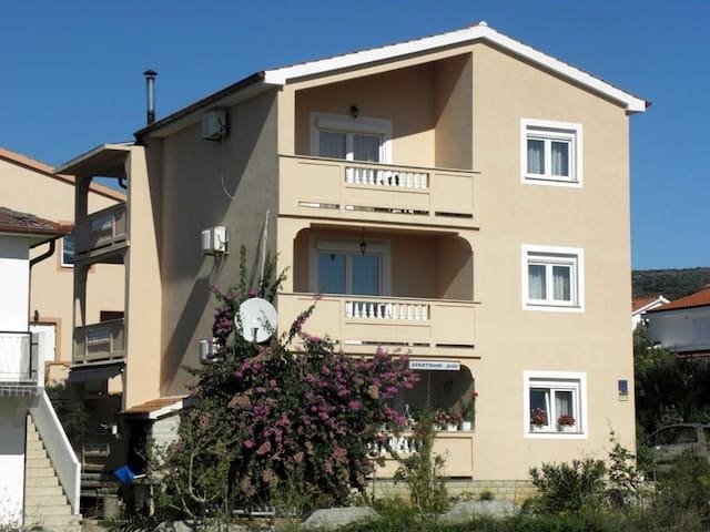 *NO GUEST SERVICE FEE* Apartments JASKO / One bedroom JASKO 4