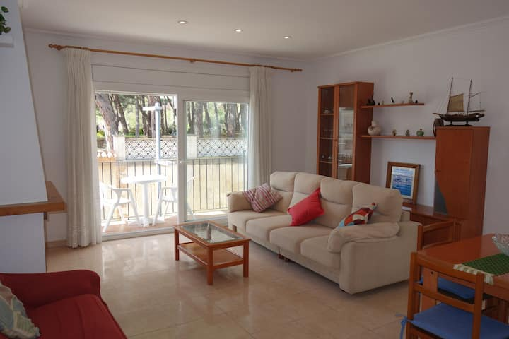 3 bedroom apartment located in the center of Calella de Palafrugell