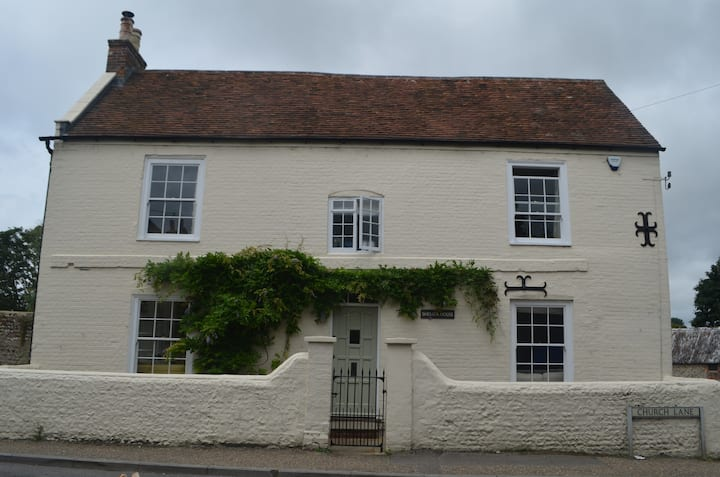 Stylish family home near Goodwood and Chichester