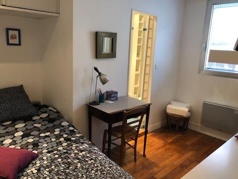 Charming quiet & independent studioette