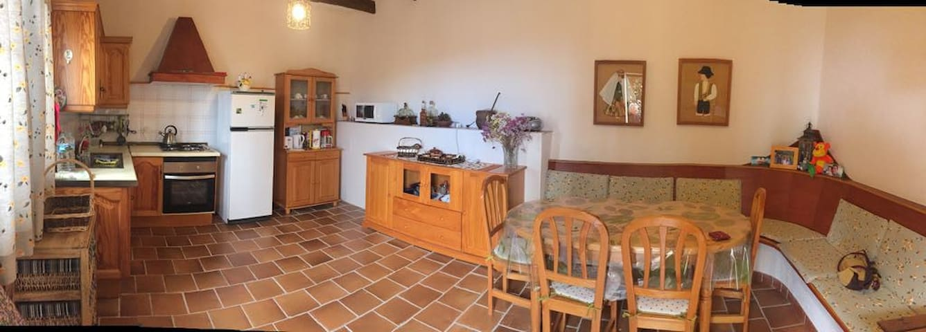Traditional Finca between wonderful vineyards - Chimiche - Pension