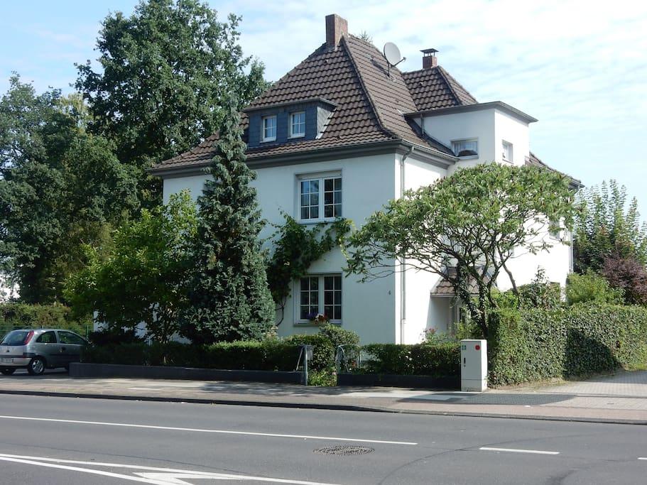 citynah stadtrand k ln dg wohnung am k nigsforst wohnungen zur miete in bergisch gladbach. Black Bedroom Furniture Sets. Home Design Ideas