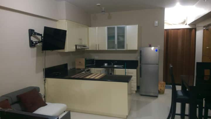 Fully furnished 1br1tb Morgan Suite