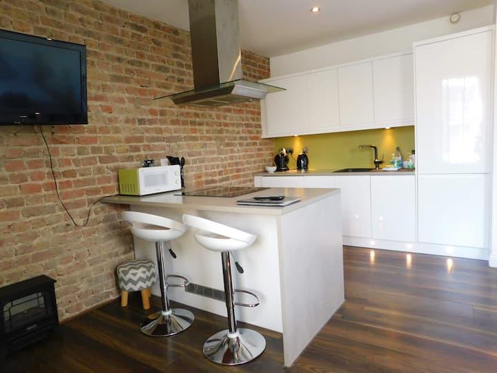Central  Seaview Studio Apartment