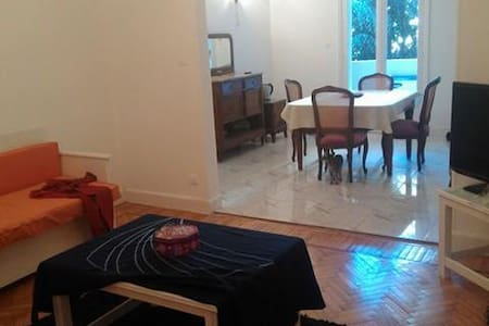 A nice room in a quiet flat in Dokki - Ad Doqi