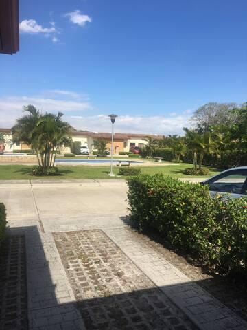 Condominium with pool - San Rafael - Huis