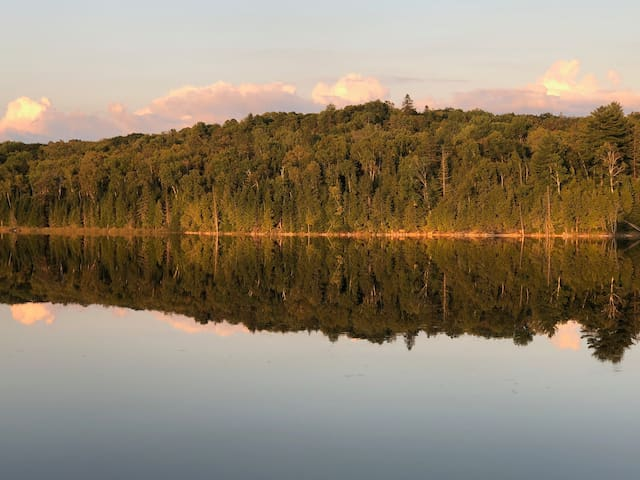 Lovely Retreat on Secluded Lake in Bancroft