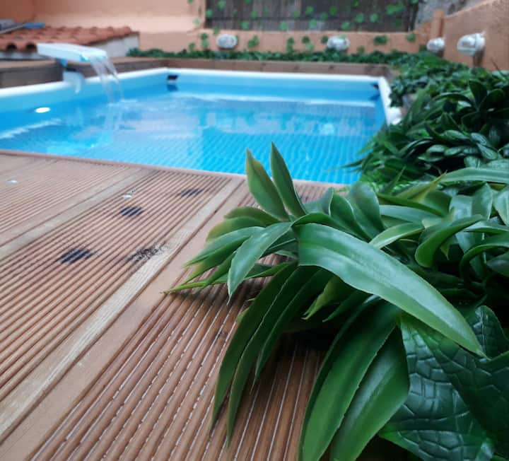 Well-equipped apartment & private pool..FREE FEES