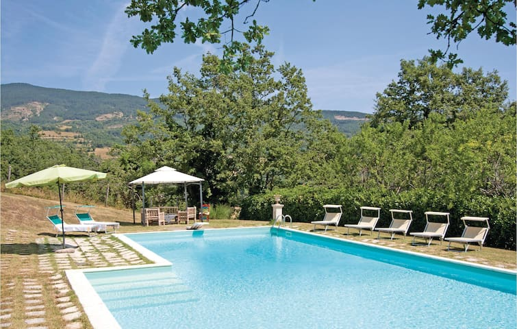 Holiday cottage with 2 bedrooms on 120 m² in Pieve S. Stefano AR