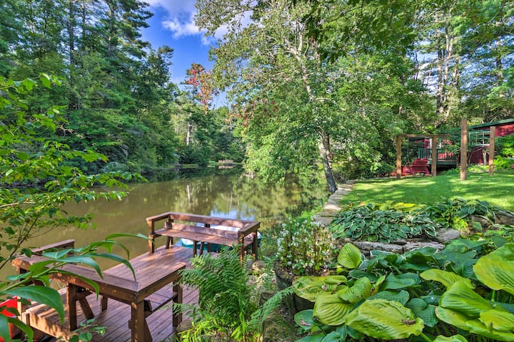 Waterfront Home w/ Boat Dock on Mirror Lake!