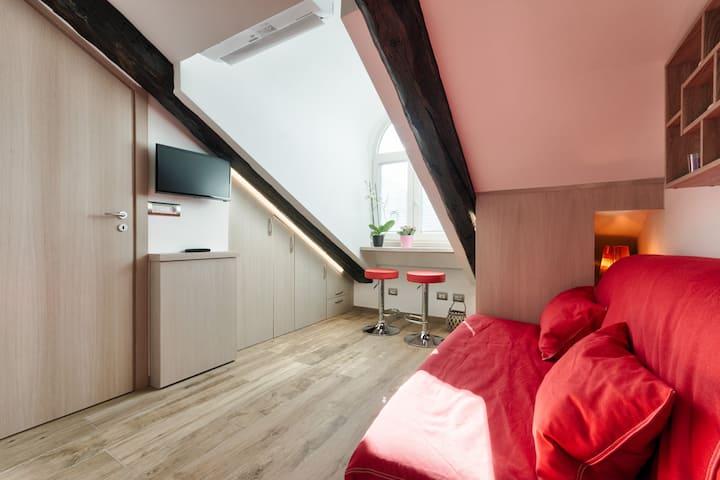 Turin City Centre Stylish Loft  ★ M1 Re Umberto ★