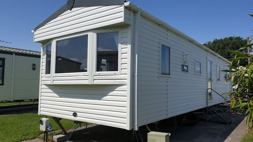 8x people Caravan, Brean sands