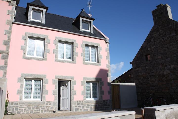 la Maison Granit Rose 4/6 pers VENDREDI à VENDREDI - Île-de-Batz - Huis