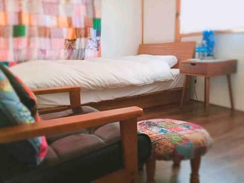 海まで5分。温泉まで3分。駅から7分。 糸島ヨガ&リトリートゲストハウス個室 yoga house