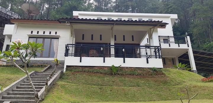 Villa Kinta Cisarua