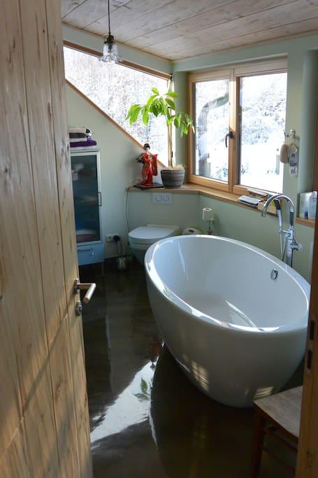 Badewanne im oberen Bad