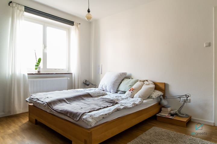 CHILD-APPROPRIATE APARTMENT IN CENTRAL LOCATION
