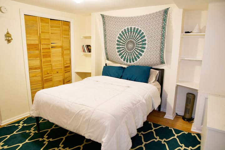 Spacious, one-bedroom in iconic Capitol Hill