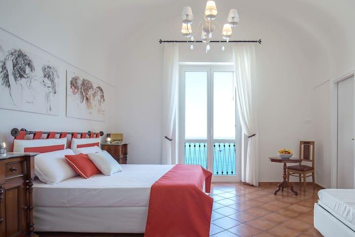Casa Bettina, Amalfi Coast [Seaview, AC & WiFi]