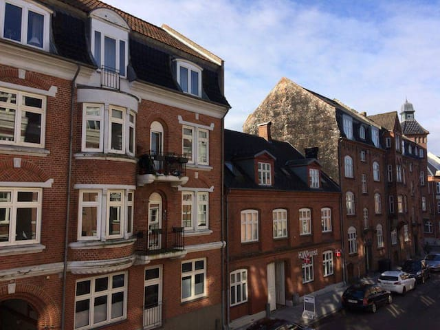 Spacious apartment in the center of Vejle - Vejle - Apartemen