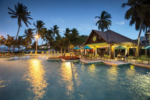 Holiday Beach Getaway in St. Thomas for up to 4