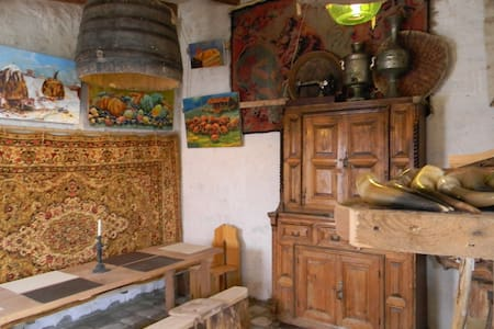 Artist's cellar in Telavi - Nasamkhrali - Bed & Breakfast