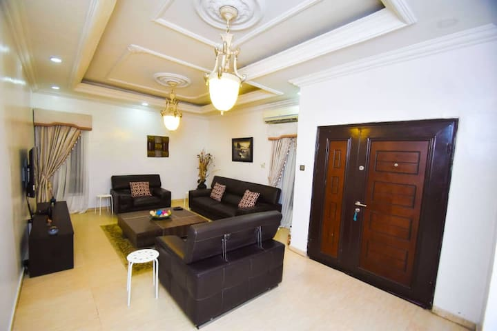 Deluxe Private Townhouse Retreat in Ikeja