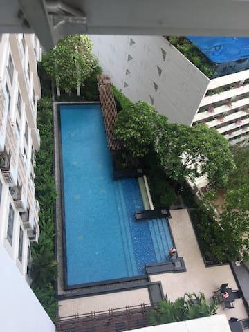 曼谷中心近地鐵豪華大床公寓 - Khwaeng Khlong Ton Sai - Appartement