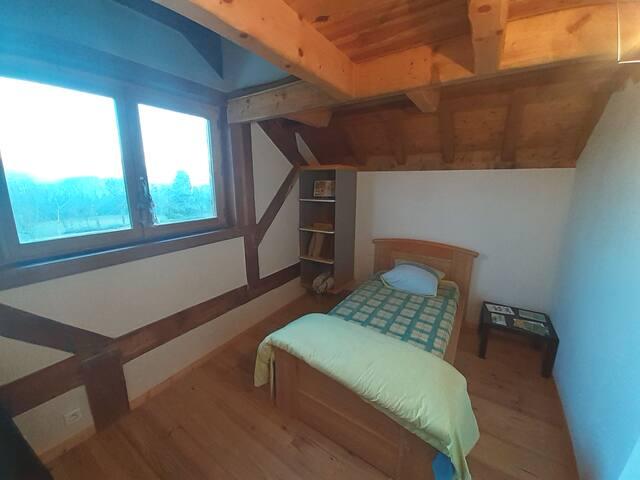 Chambre individuelle, calme dans maison écologique