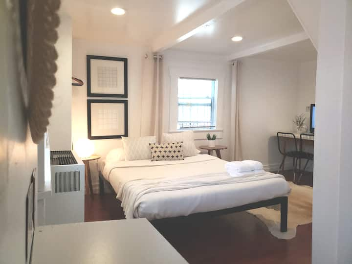 Cozy & Comfortable Minimalist Studio