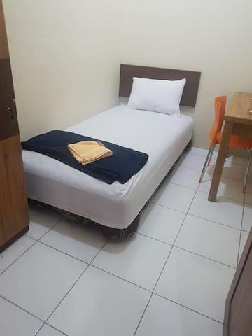 Superior Single Room (Unta Residence)