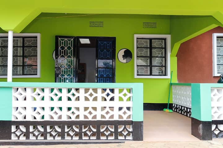 Charming Stay at Women-Empowerment-Center (NGO)