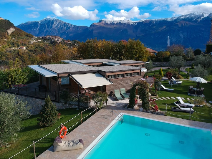 Idyllic and with spectacular mountain views – Apartment GeoResort C10