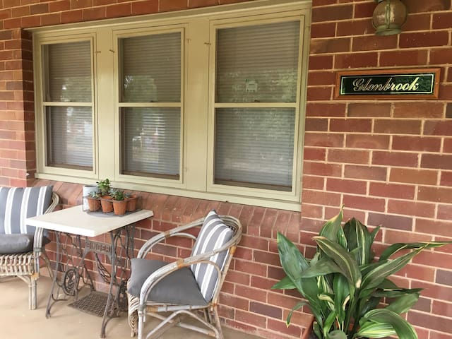 Glenbrook Getaway - Self Contained Accommodation