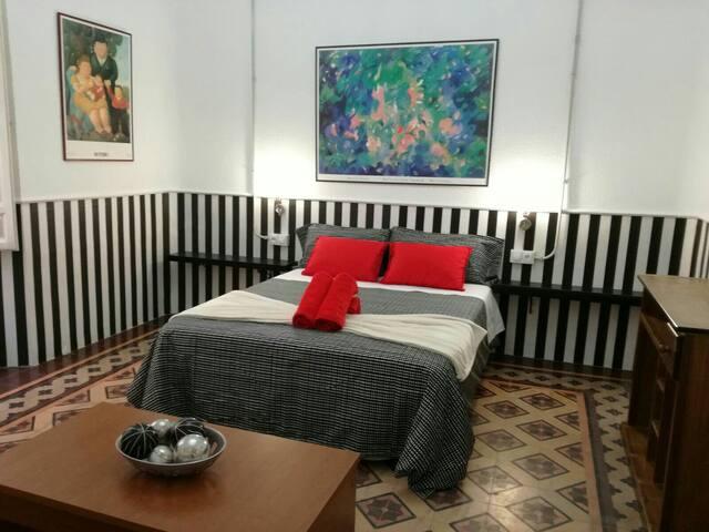 Room Center Gran Vía 11+Wiffi+Heating+TV+Fridge