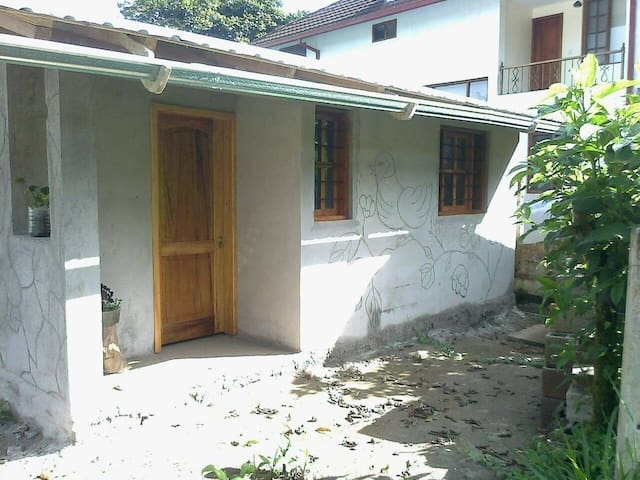 House in Mindo, near Quito, $10 -15 (couple p.n).