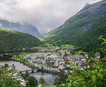 Hus med fjordutsikt