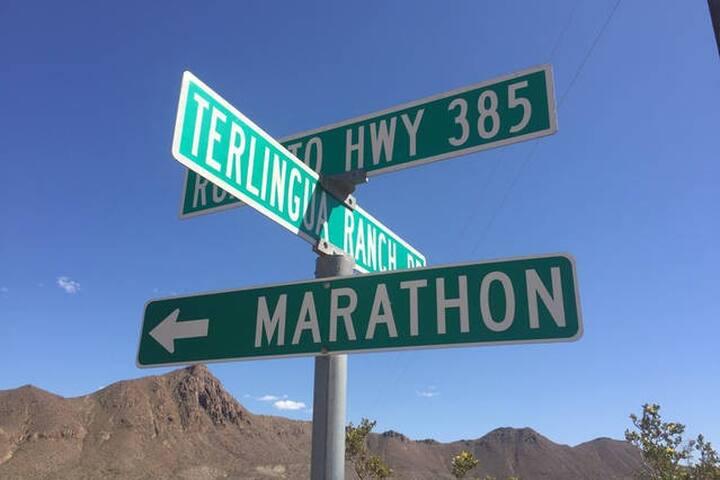 """Tin Valley Retro Rentals """"Cozy Cactus"""""""