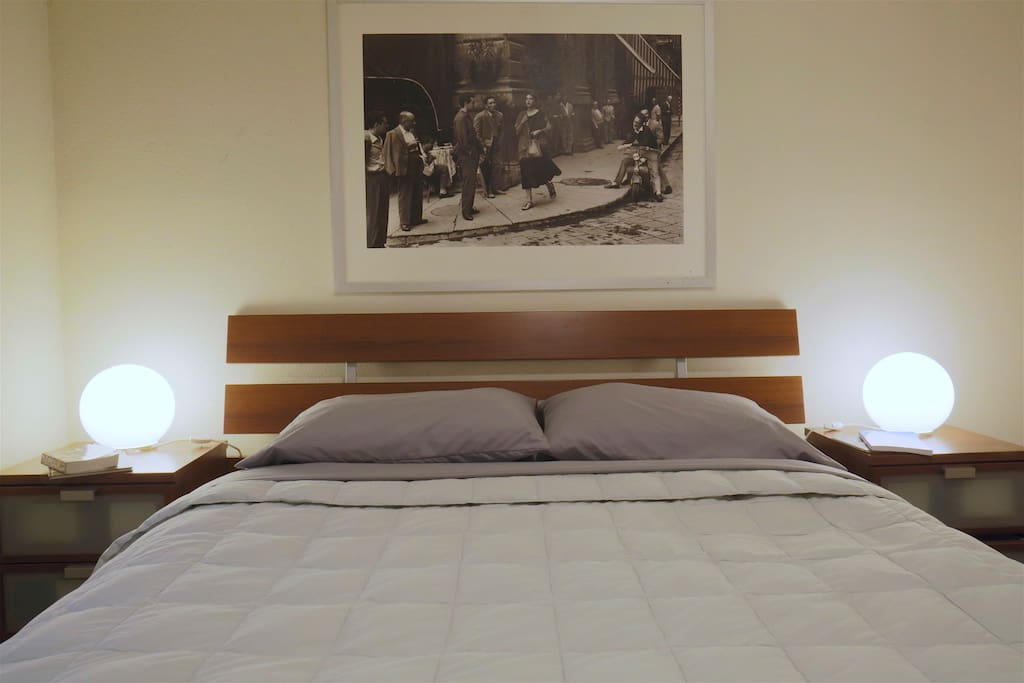 Queen bed, very comfortable and always nice clean sheets.