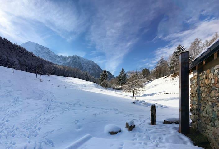 Chambres d'Amis - L'Antico Fienile - Brissogne - กระท่อมบนภูเขา