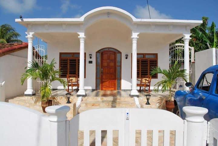 Hostal Villa Blanca
