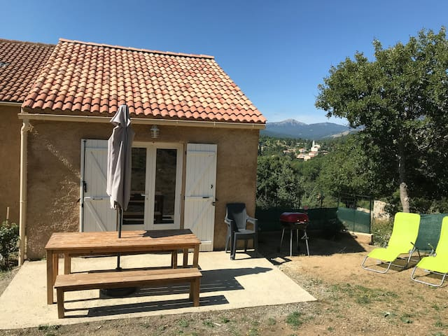 Appartement entier avec vue sur lac et montagnes