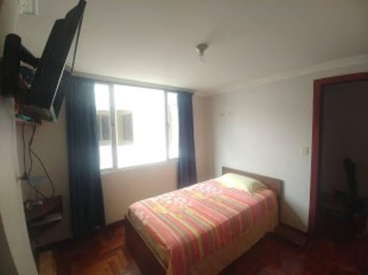 Habitación de renta en Loja, Zoilo Rodriguez