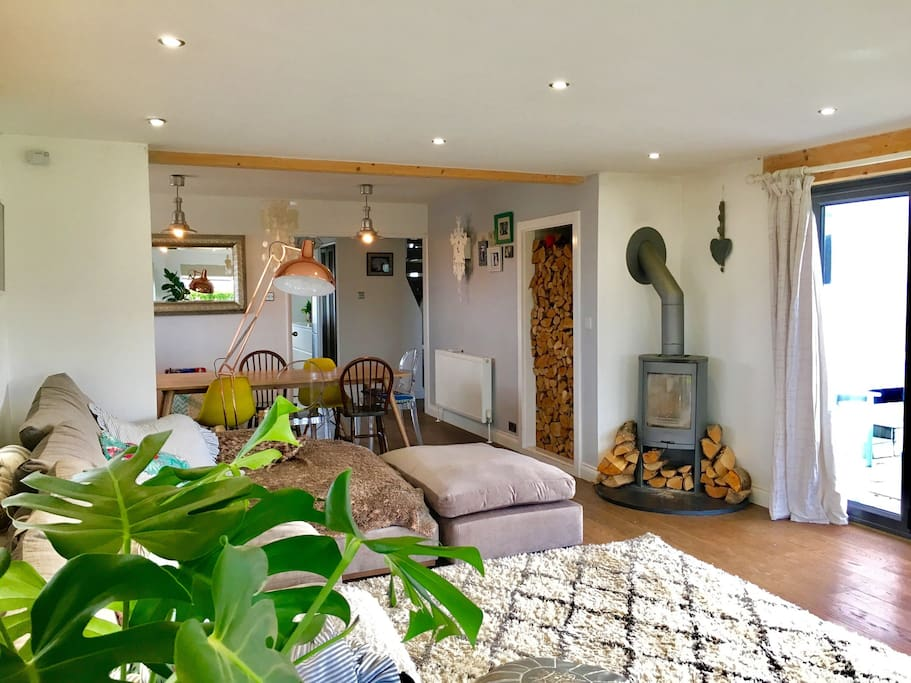 Hunker down on this sumptuous corner sofa andin front of a traditional log burner and soak up this Cornish laid back lifestyle in ultimate comfort.
