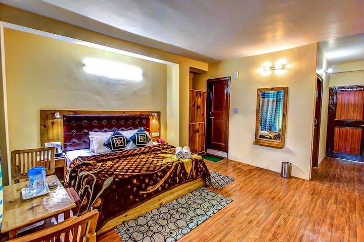 Spacious Two Bedroom Set in Manali
