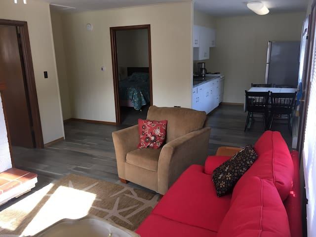 Remodeled 2 bedroom apartment unit.