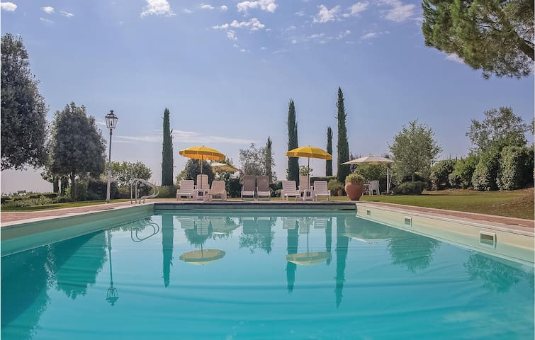 Holiday apartment with 1 bedroom on 55m² in Torrita di Siena SI